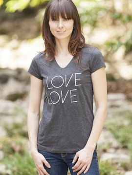 California 89 Love Tennis Women's Tee