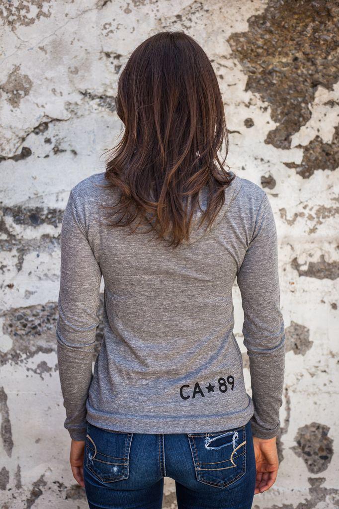 California 89 Women's Love Blue Lightweight Pullover
