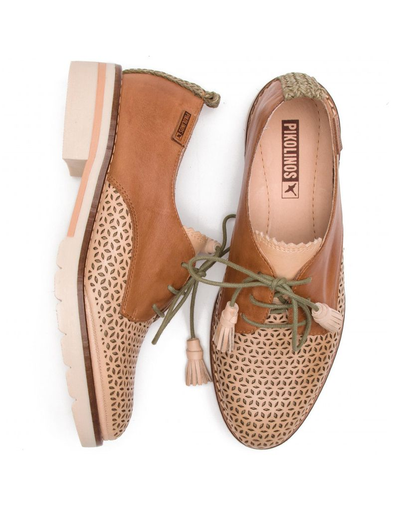 Pikolinos Sitges Lace-Up Perforated Oxford