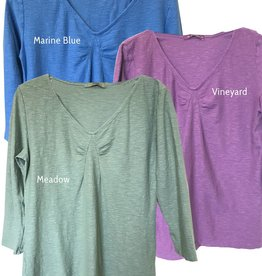 Cut Loose 3/4 Sleeve Tuck Front Tee