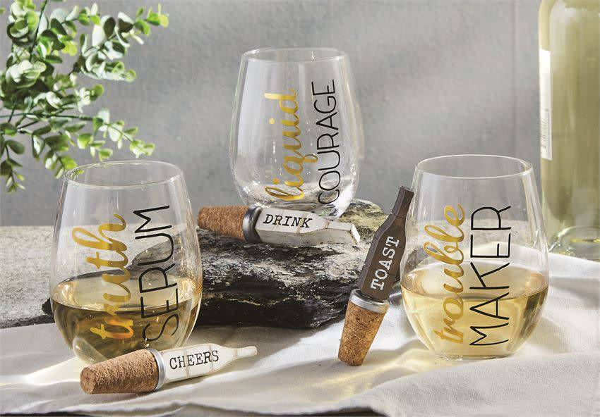 MUD PIE STEMLESS WINE GLASS & BOTTLE STOPPER SET