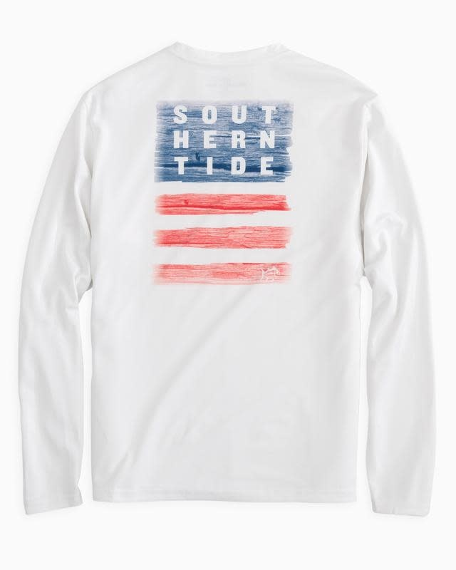SOUTHERN TIDE L/S PERFORMANCE WOODEN FLAG TEE