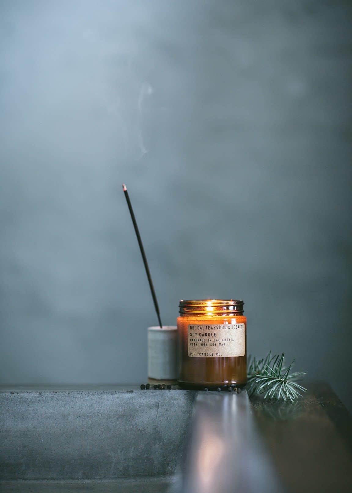 PF CANDLE CO teakwood & tobacco large candle