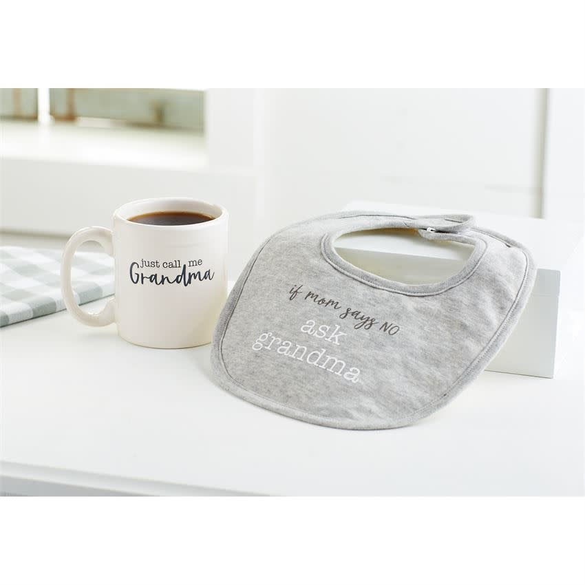 MUD PIE GRANDMA BIB & MUG GIFT SET