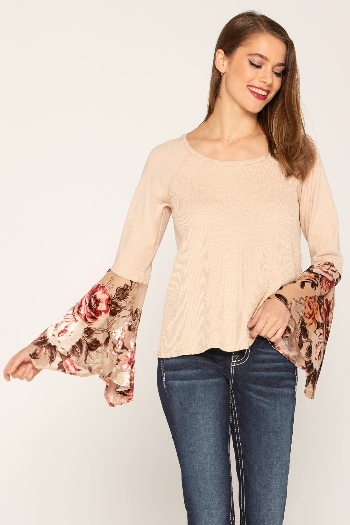 MISS ME CONTRAST FLORAL BURNOUT BELL SLEEVE TOP