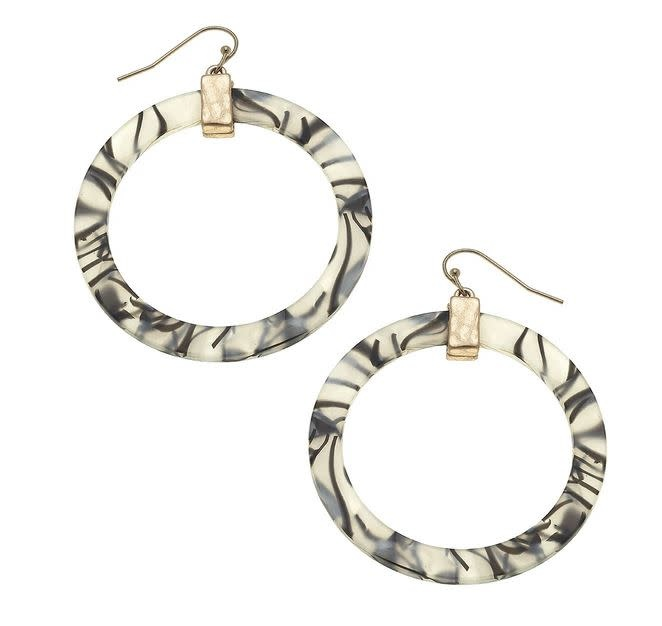 CANVAS COLETTE HOOP EARRINGS IN ZEBRA RESIN