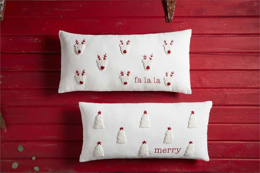 MUD PIE CHRISTMAS FRENCH KNOT PILLOWS