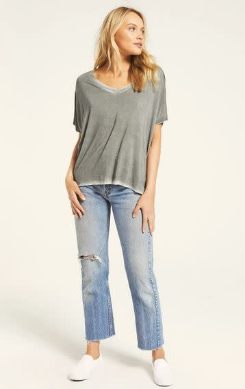 Z SUPPLY MISCHA SLEEK V-NECK