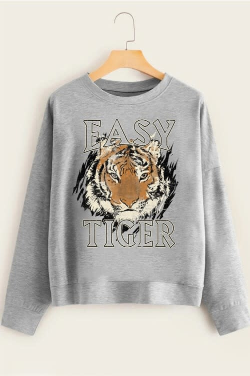TREND SHOP EASY TIGER GRAPHIC SWEATSHIRT
