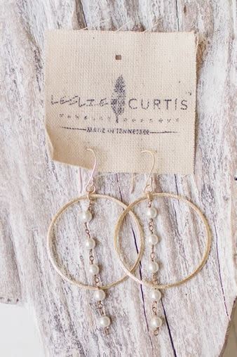 LESLIE CURTIS JEWELRY IRIS GOLD HOOPS