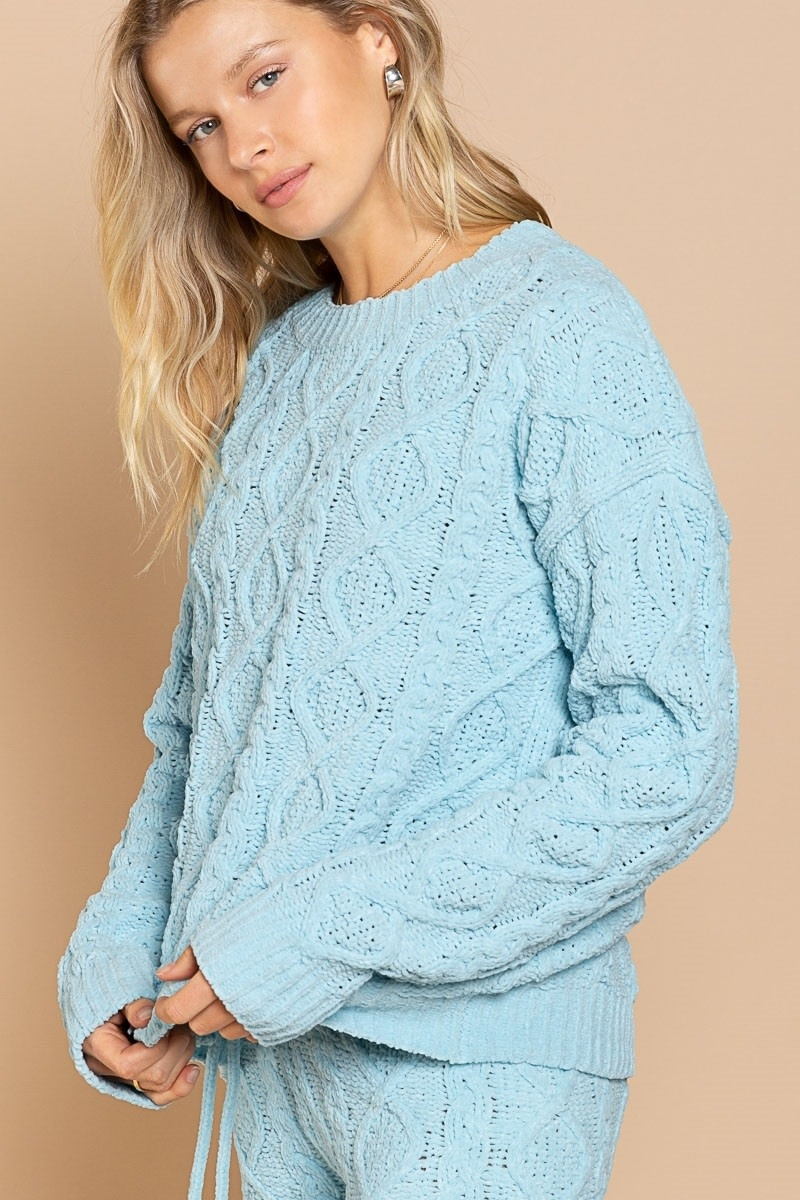 ULTRA PLUSH CABLE SWEATER