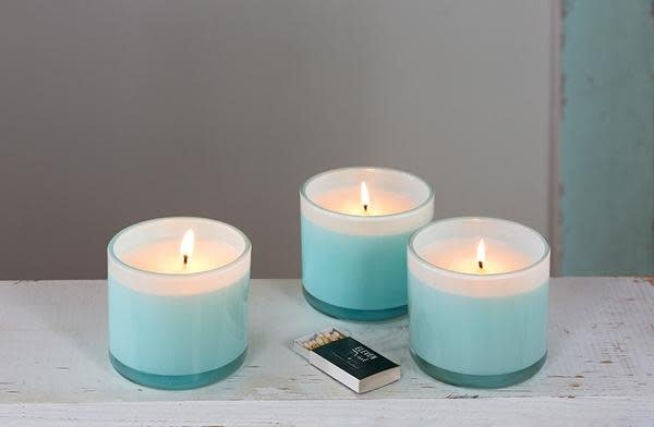ELEVEN POINT CANDLES BOUTIQUE ROBIN EGG BLUE GLASS CANDLE