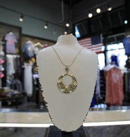 CANVAS LINKED WAVY FILIGREE DISC NECKLACE