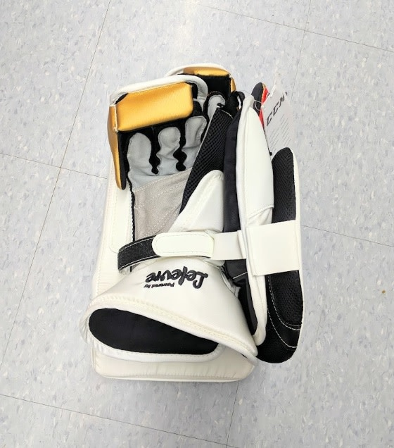 CCM Hockey CCM GB PREMIER 2 PRO GOALIE BLOCKER - Wht/Blk/Gold