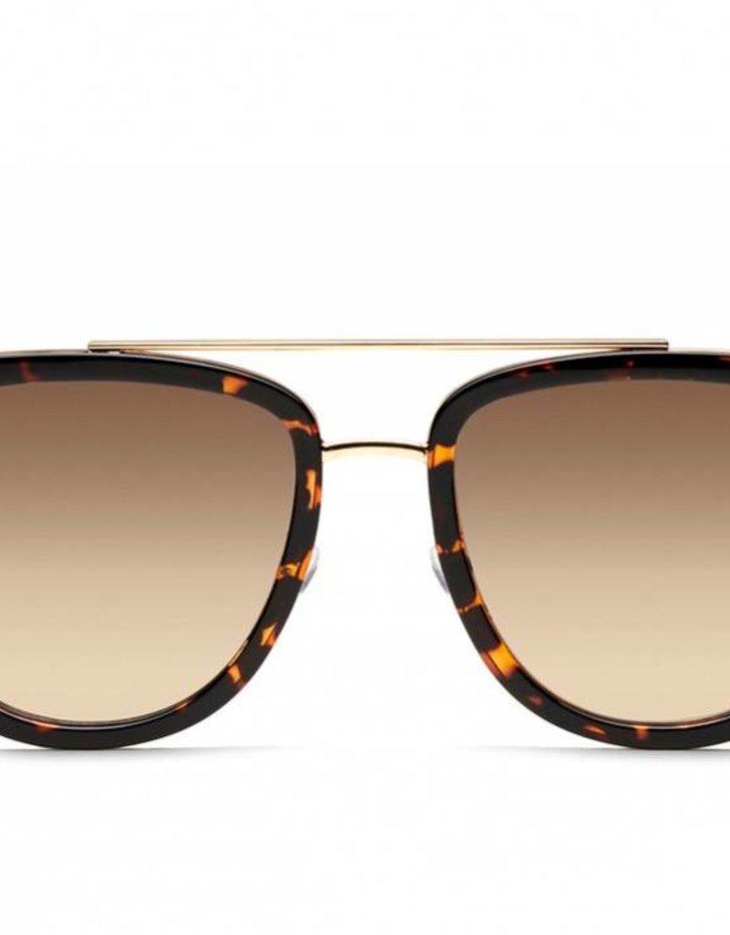 61aaafa335b3f Quay Australia French Kiss Sunglasses ...