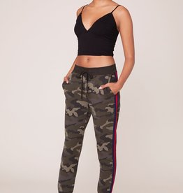 BB Dakota Leg Room Camouflage Sweatpants