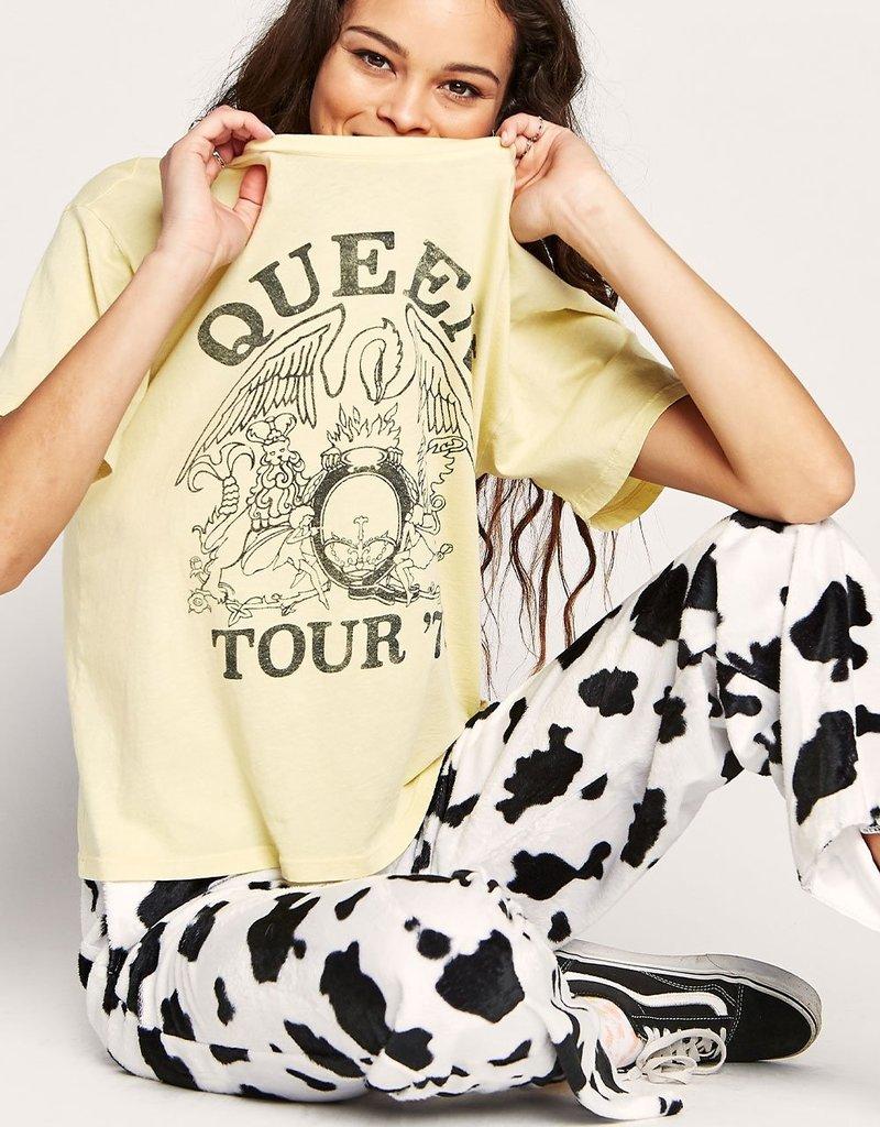 Daydreamer Queen Tour '75 Boyfriend Tee