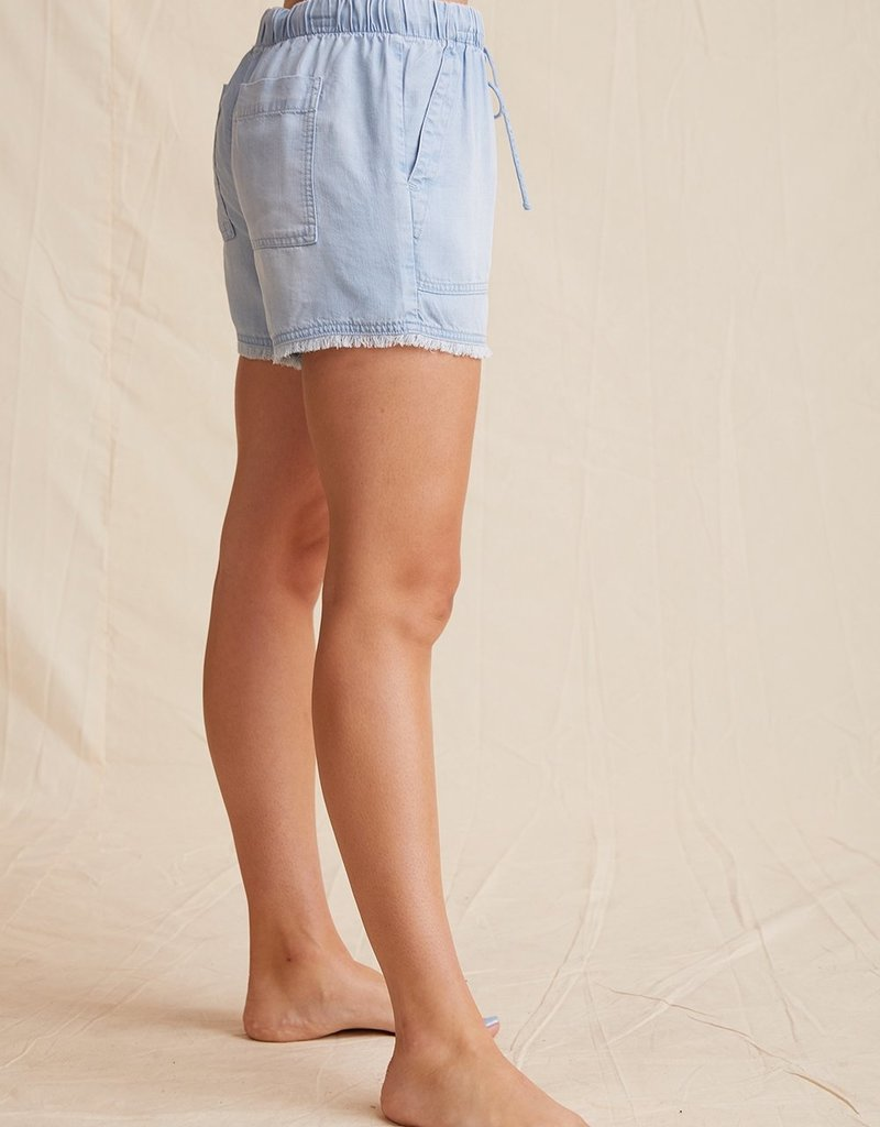 Bella Dahl Frayed Pocket Short - Sunbleach Wash