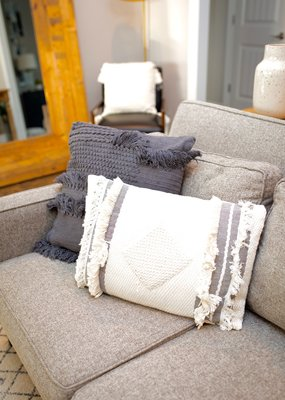 LABEL Vail Lumbar Pillow