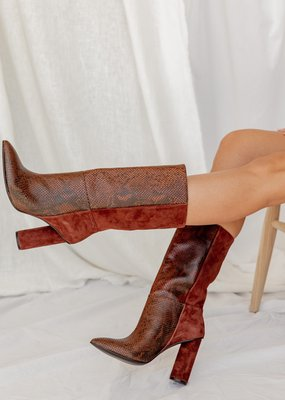 42 Gold Kolby Boot - Brunette Snake