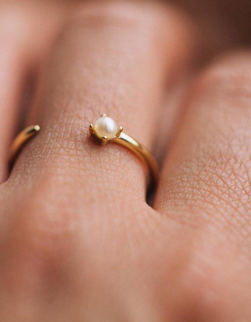 Shashi Alana Adjustable Ring