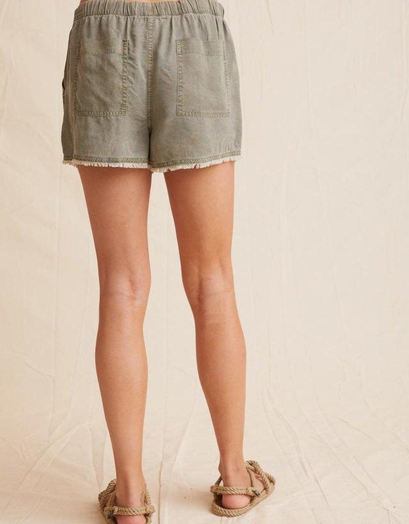 Bella Dahl Frayed Pocket Short - Soft Army