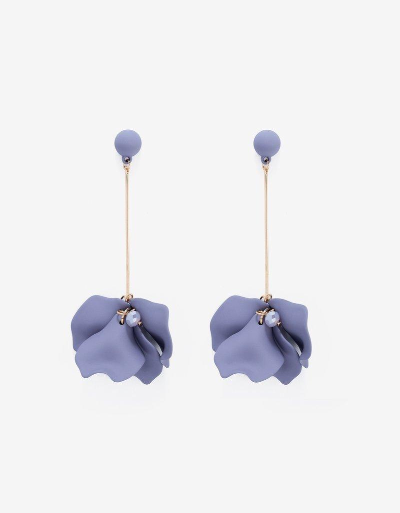 Shashi Petunia Earring - Oyster