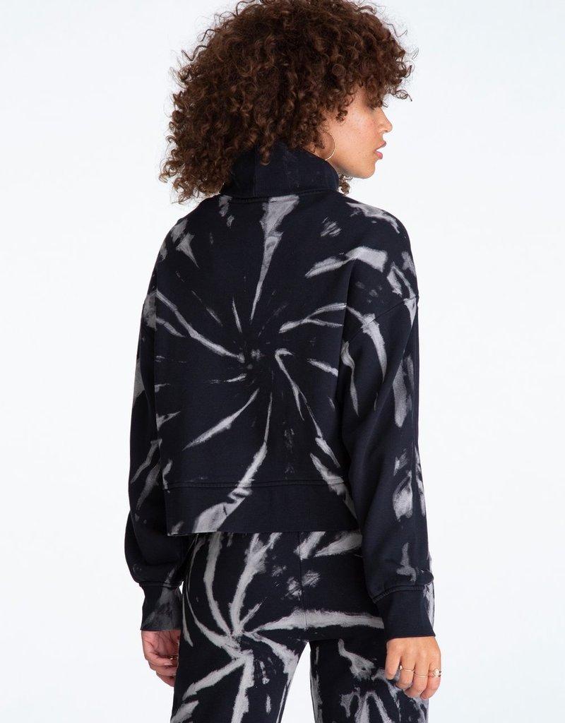 525 Spiral Turtleneck Sweatshirt