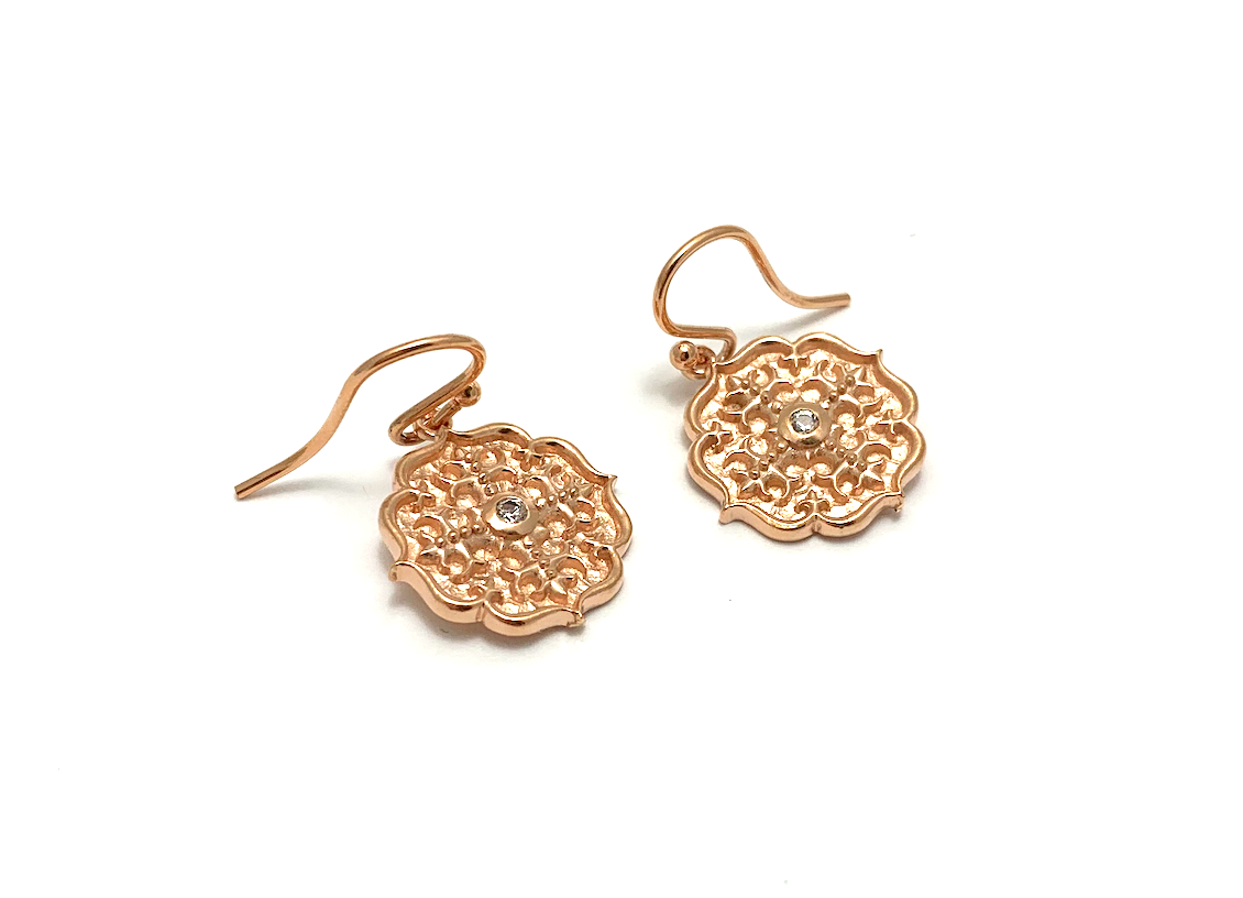 Pink Gold Ear, sm medallion w/white sapp gold plate