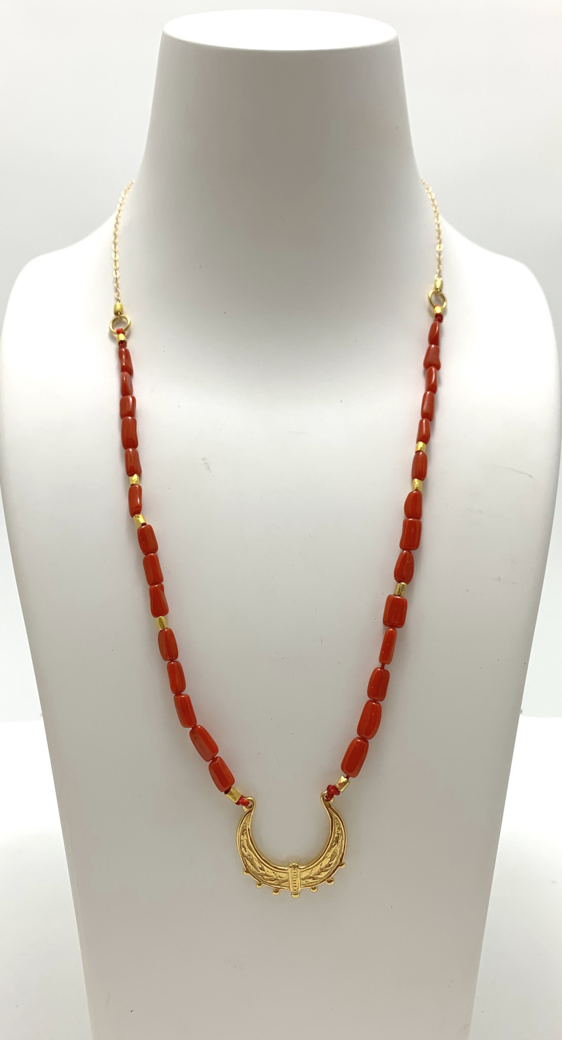 Coral Moroccan Swing Necklace
