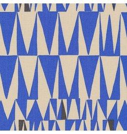 Robert Kaufman Psychedelia, Triangles in Cornflower, Fabric Half-Yards AGP-17275-247