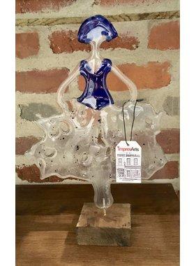 Danseuse en verre fusionné