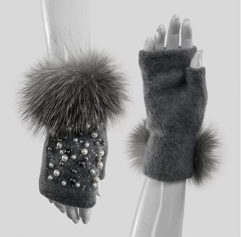Mitchie's matchings Knit Gloves with Fox