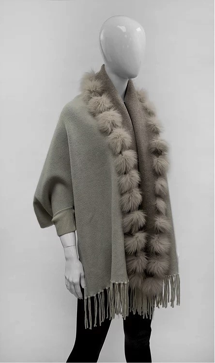 Mitchie's matchings Reversible knitted wrap and fox fur trim - Ivory beige