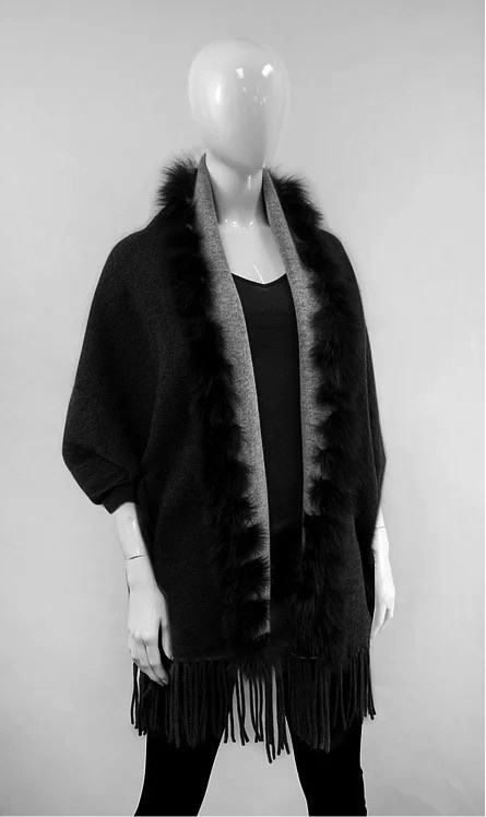 Mitchie's matchings Reversible knitted wrap and fox fur trim - Black Grey