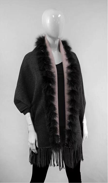 Mitchie's matchings Châle réversible en tricot  et renard - Charbon Rose