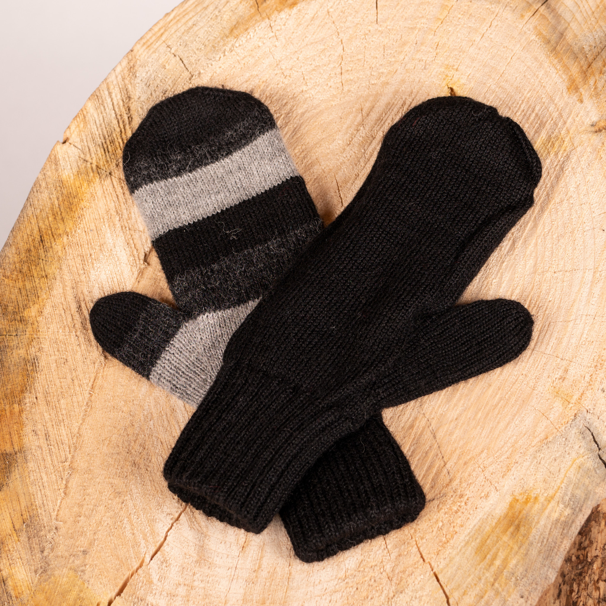 Alpaca DNA Double and reversible Black Distinction mittens 100% Alpaca wool