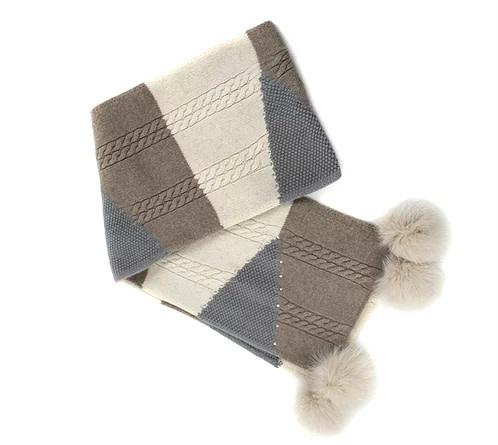 Mitchie's matchings Foulard en tricot avec pompons de renard.
