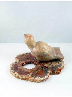Lucie Nadeau 1 Oiseau sur bois pétrifié