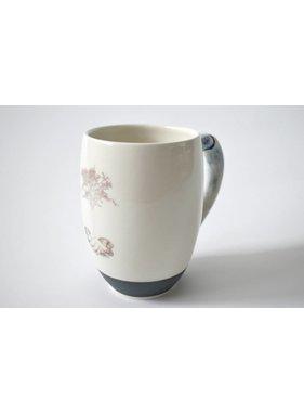 Catherine De Abreu 1 Big cup Generosity 01-G