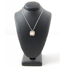 Sabine Pouquet Joaillière/Jewellery 1 A Class Collier carre M CoCCM