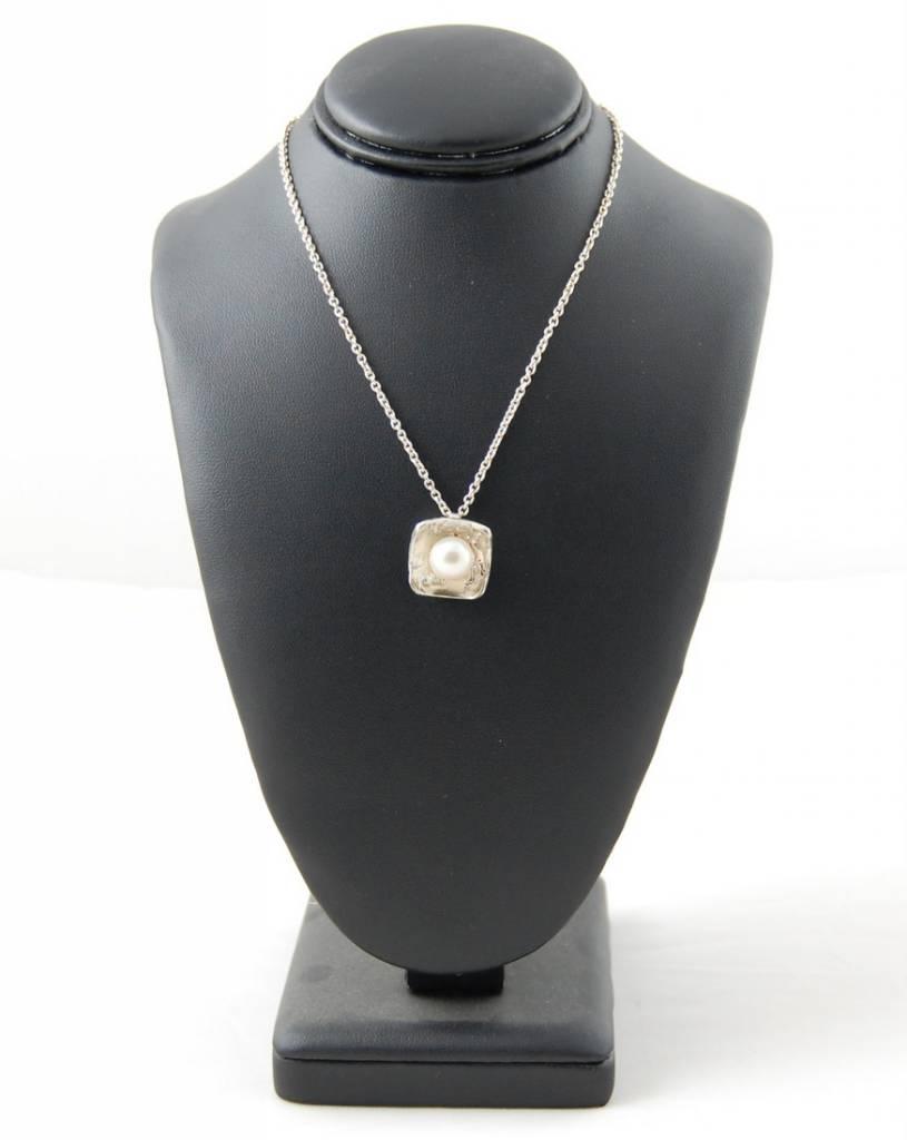 Sabine Pouquet Joaillière/Jewellery Class Collier carre M CoCCM