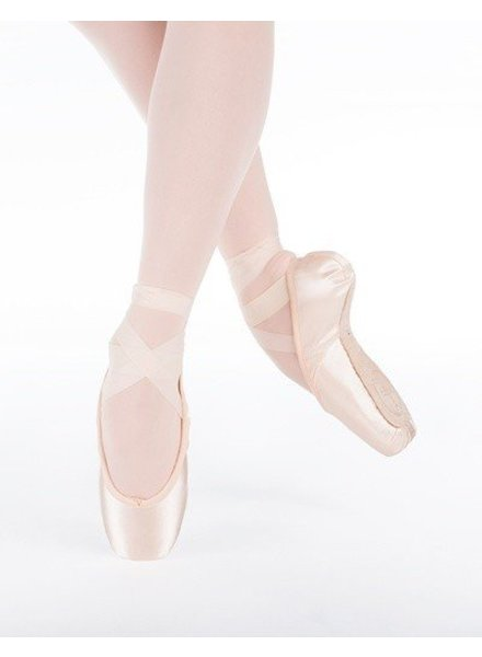 Suffolk Spotlight Pointe Shoe