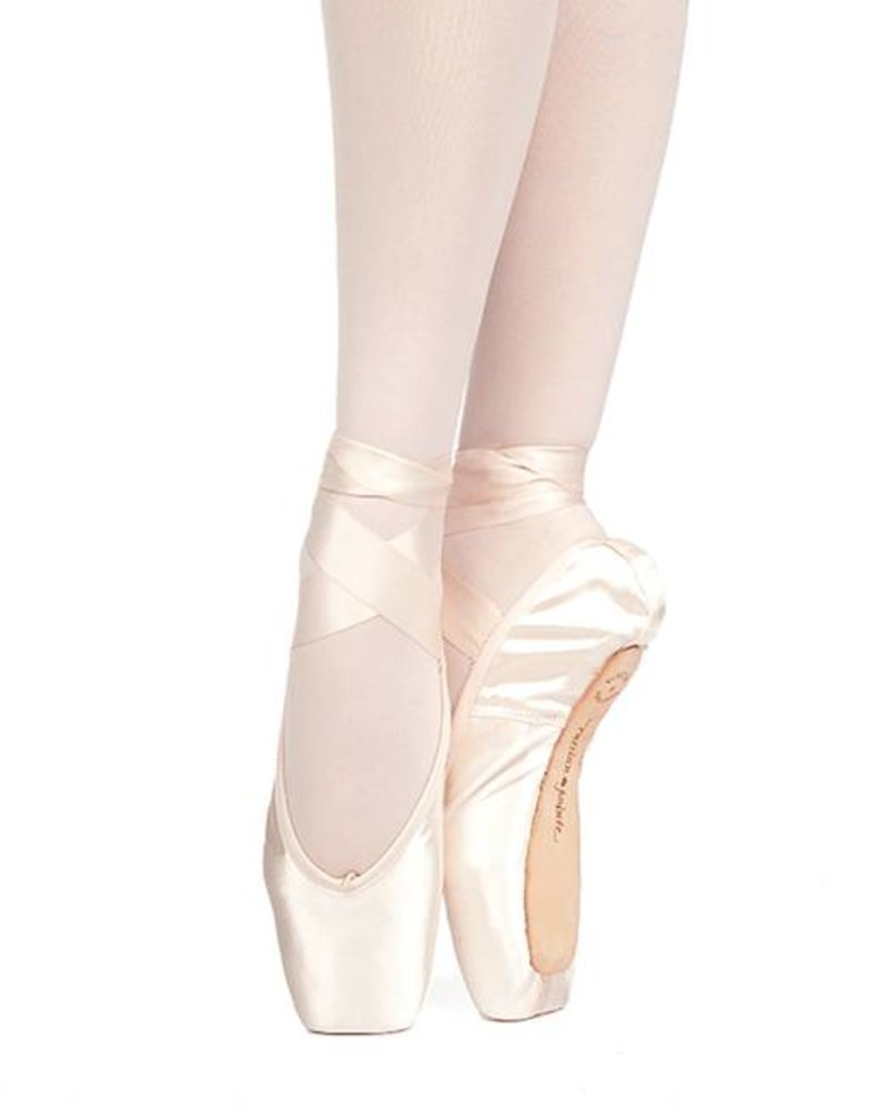 Russian Pointe Muse Drawstring Pointe Shoe