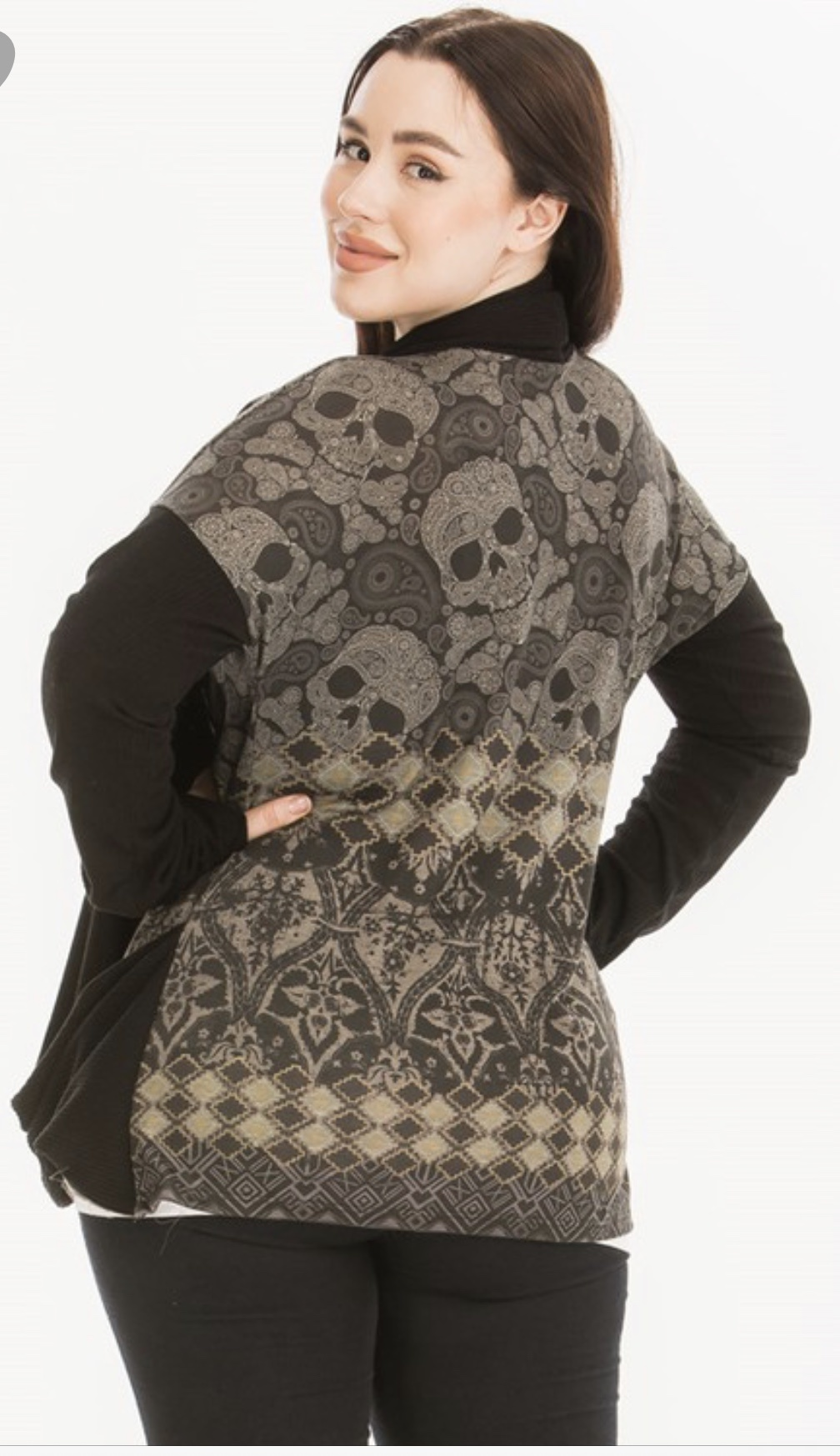Poliana Plus Skull Draped Cardigan