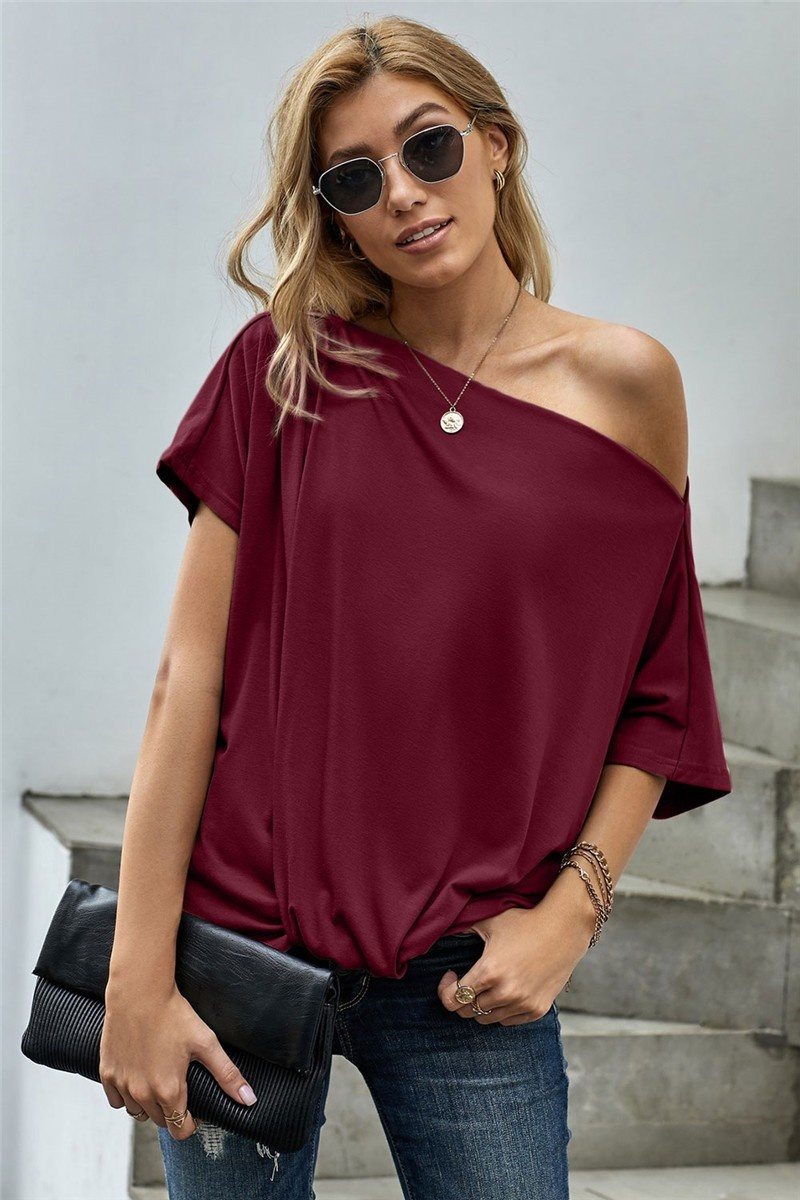 Scarlet Knot Front Top