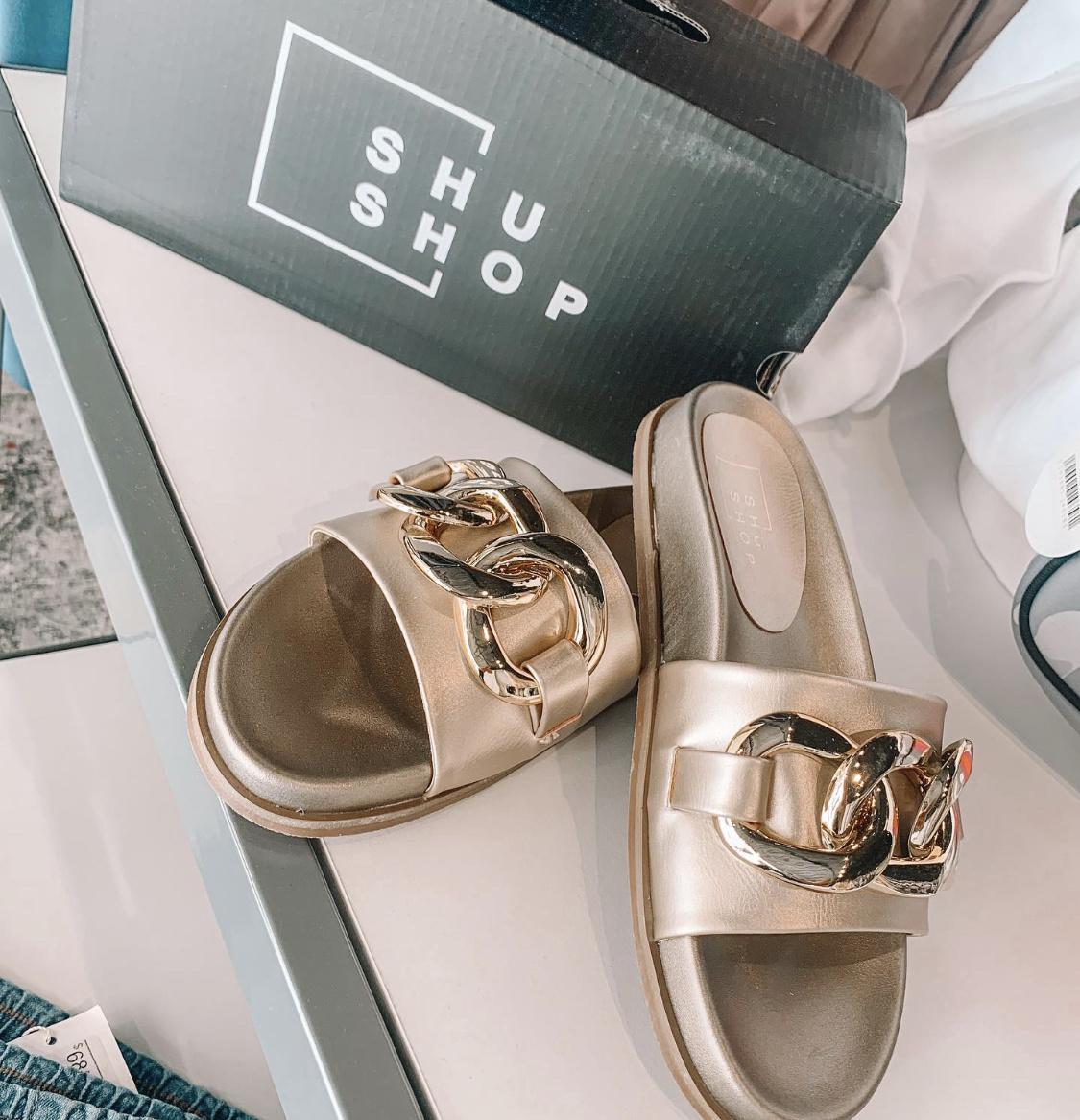 Shu Shop Gold Link Slide