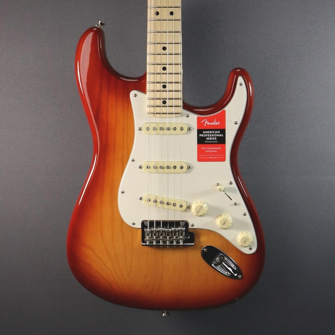 Fender DEMO Fender American Professional Stratocaster - Sienna Sunburst (051)