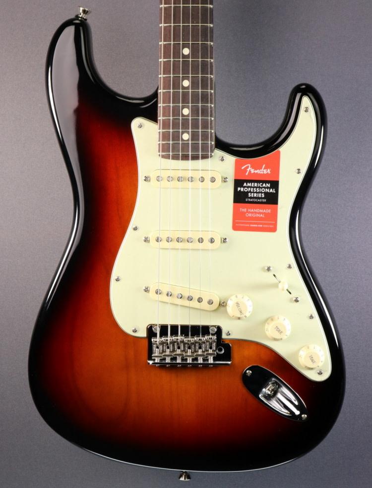 Fender NEW Fender American Professional Stratocaster - 3-Color Sunburst (047)