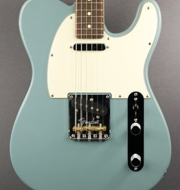 Fender USED Fender American Professional Telecaster (420)